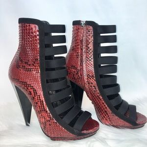Gucci Booties red snake print size 37.5
